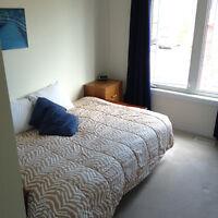1 SEPT- FURNISH ROOM-Kanata Morgans Grant- 4 bed townhome