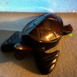 Wooden turtle hand crafted from Mexico Gatineau Ottawa / Gatineau Area image 1