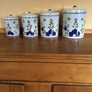 Cantagalli Italian Hand painted pottery canister set