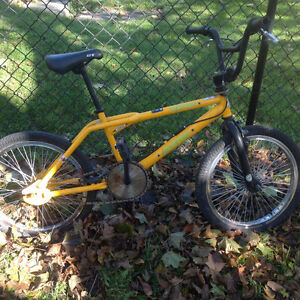 Old school bmx Dyno zone GT ,California cruiser ,good shape