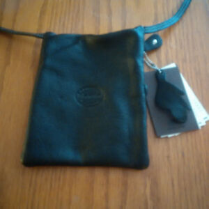 Roots Black Hanging Pouch Prince purse-NEVER USED-tags on London Ontario image 3
