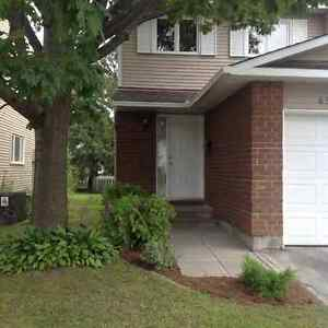 End unit 3 bedroom townhouse - Orleans