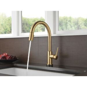 Kitchen faucet- Delta Trinsic Touch 20 Champagne Bronze NEW