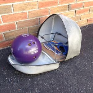 Bowling ball & carrier (10-11 lbs)