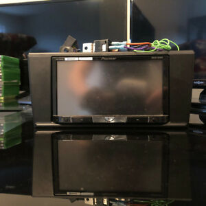 """Pioneer 7"""" DVD Receiver AVH-p8400bh with bypass"""