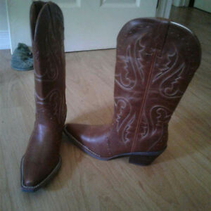 Ladies cowboy boots brand new