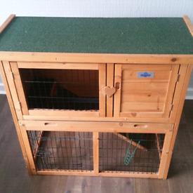Rabbit/Guinea Pig/Small Animal 'Confidence' Hutch