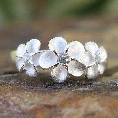(Hawaiian Silver Matte Three Plumeria Flowers CZ Wedding Ring Band 8mm SR2101)