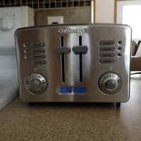 CUISINART METAL 4 SLICE TOASTER - EXCELLENT CONDITION - LIKE NEW