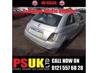 Fiat 500 (Silver) Breaking Whole Vehicle