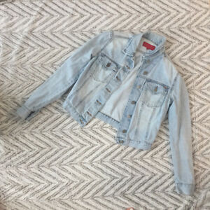 Vintage FCUK Denim Jacket (size m, fits s and xs people)