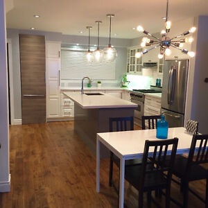 Renovated 3 Bed, 2+1 Bath + Parking Beaches House For Rent