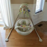 Balançoire Fisher-Price Nature's Touch Baby Papasan Cradle