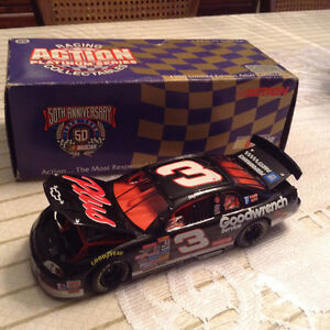 FOR SALE:  NASCAR  DIECAST  COLLECTIBLE - DAYTONA 500 WINNER