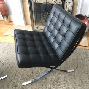 Barcelona Chair (vinyl) early Modern/Bauhaus era