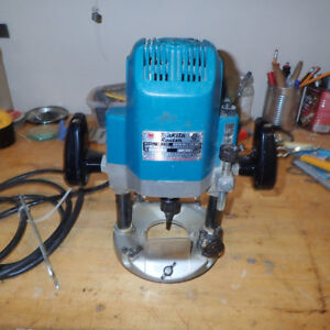 """Makita 1/2 """" Plunge Router"""