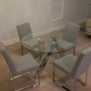 Sunpan Manhattan dining table with Chrome Legs