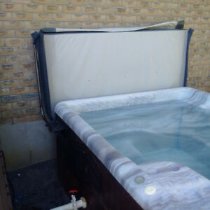 "Jaccuzzi top with lifter and brackets - 78"" x 86"" & chemicals Kawartha Lakes Peterborough Area image 2"