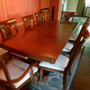 Solid Wood Hand-Carved Dining Room Set - Mint!  Must go!