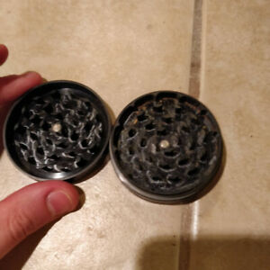 Space Case Small 2-Piece Herb Grinder