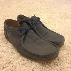 Dark Blue Clarks Suede Wallabee Shoes Size 9