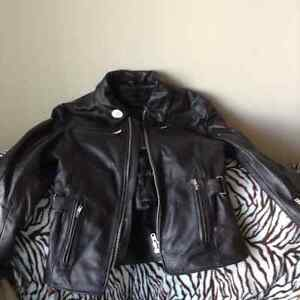 Ladies motorcycle apparel like new $800 for all obo