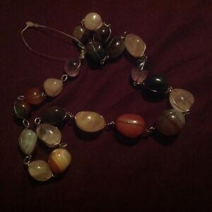 Collier en pierres semi precieuses