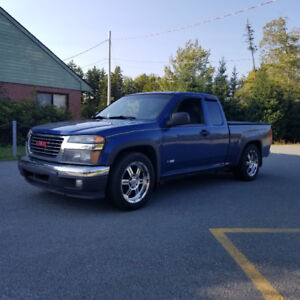 06 gmc canyon excellent shape lots of new parts