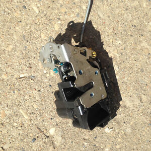 drivers door latch/lock assembly for pontiac wave/ G3