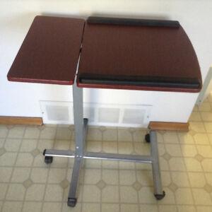 Adjustable computer table