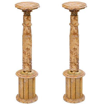 PAAR MARMORSÄULEN mit RUNDSOCKEL beige, CLASSIC MARBLE PEDESTALS, FLOWER TABLES