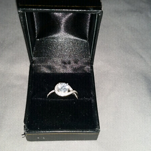 Size 7.5 (approx) Sterling silver ring
