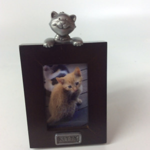 Unique Cat and Dog Picture Frames with Easel Back