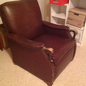 Free pleather recliner