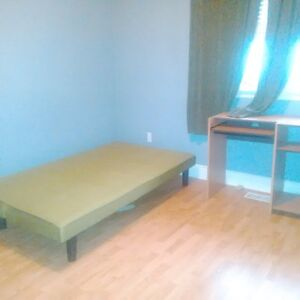 Room for rent to Loyalist student Belleville Belleville Area image 8