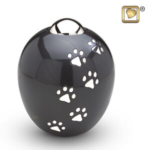 LARGEST SELECTION OF PET CREMATION URNS