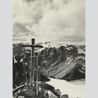 Bert Sass: Blick vom Gipfel auf das Gebirge