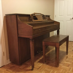 Mason & Risch upright piano West Island Greater Montréal image 2