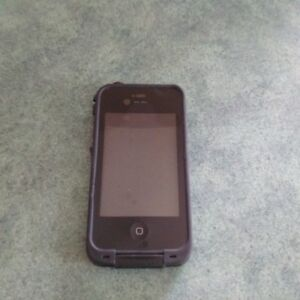 Life Proof iphone 4 & 4S Case - Excellent Condition