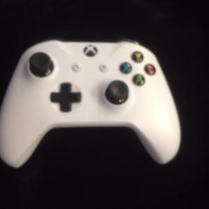 """sold""  Xbox One Wireless Controller"