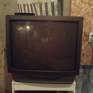 36 inch color tv