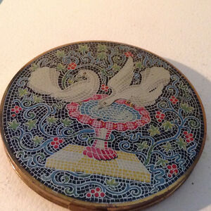 Vintage Vogue Vanities England Brass Enamel Powder Compact Mosai