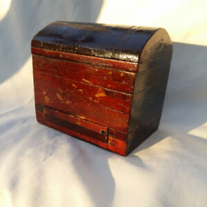 UNUSUAL PRIMITIVE FOLK ART CHEST MECHANICAL CIGARETTE DISPENSER