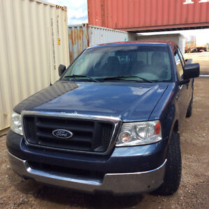 2004 Ford E-150 Pickup Truck