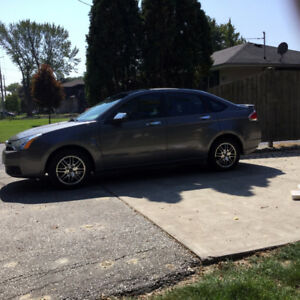 2011 Ford Focus SE - Very Good Condition! - Great on Gas!