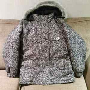 Boys winter jacket size M (10-12)