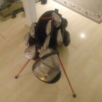 Selling left handed good condition golf clubs !! Taylormade