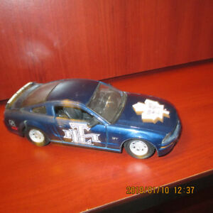 Toronto Maple Leafs 2006 Ford Mustang GT Model Car