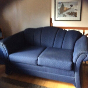 Couch and matching love seat Kawartha Lakes Peterborough Area image 3