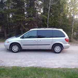 2003 Dodge Caravan SXT Minivan, Van